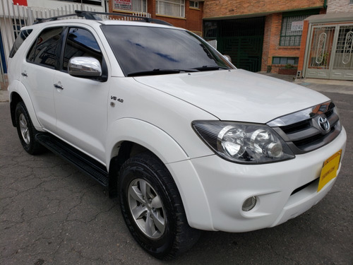 toyota fortuner 4.0 4x4 automatica