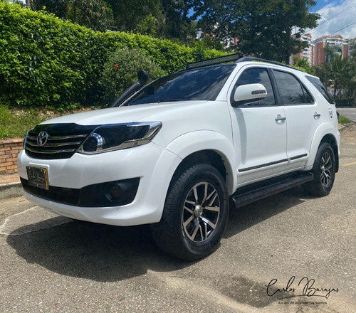 toyota fortuner 4x2 at modelo 2013