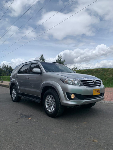 toyota fortuner 4x2 automatica