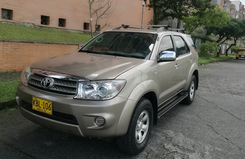 toyota fortuner 4x4 automática