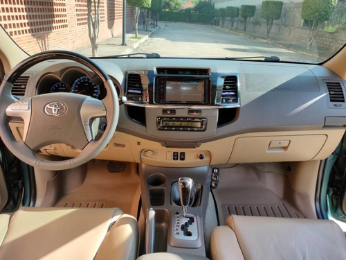 toyota fortuner año 2012 4x4