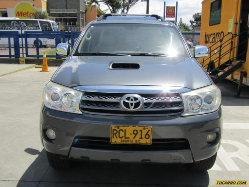 toyota fortuner at 3.0