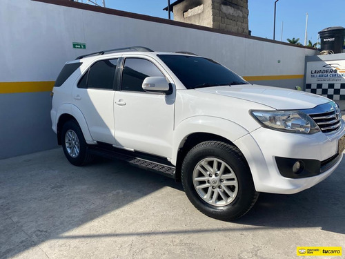 toyota fortuner automática 2014