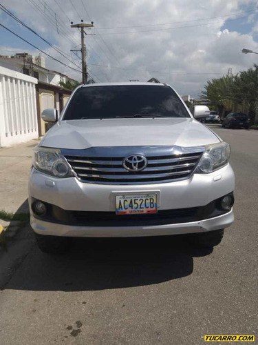 toyota fortuner automatica 4x4