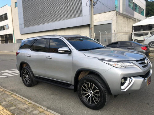 toyota fortuner  gasolina 2.7 at