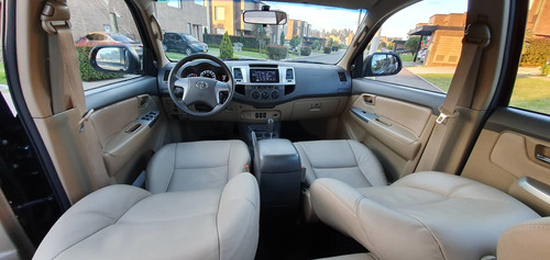 toyota fortuner , impecable