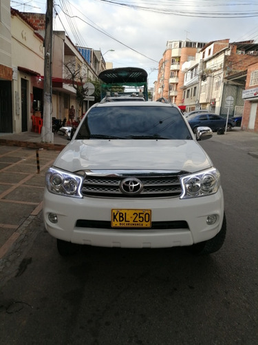 toyota fortuner mecánica 4x4 2010