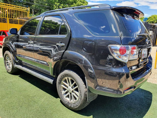 toyota fortuner sr5 4x4 at 2012 2.7cc gasolina