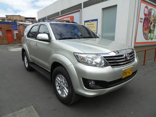 toyota fortuner sr5 at 2700cc 4x2