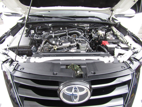 toyota fortuner sr5 at 2700cc aa 7p 4x2
