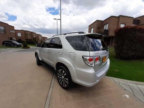 toyota fortuner sr5 urbana at 2700cc aa ab abs 2013