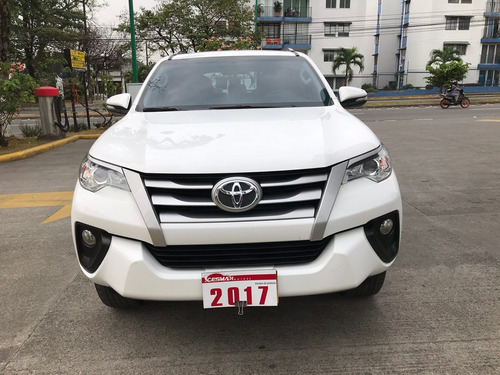 toyota fortuner sw4 2.800 diesel a/t 4x4 full equipo 2017