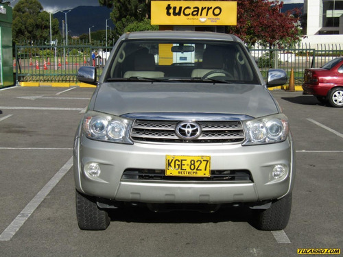 toyota fortuner urbana at 2700