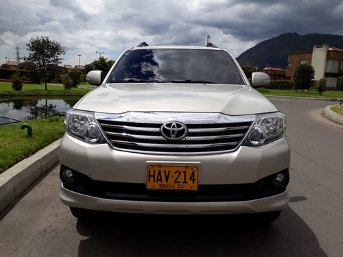 toyota fortuner urbana at 2700cc aa ab abs 2013