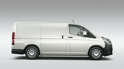 toyota hiace furgon l1h1 2.8 tdi 6at 3a 4p