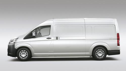 toyota hiace furgon l2h2 2.8 tdi 6at 3a 5p