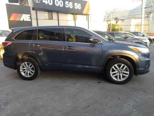 toyota highlander 3.5 le at 2016