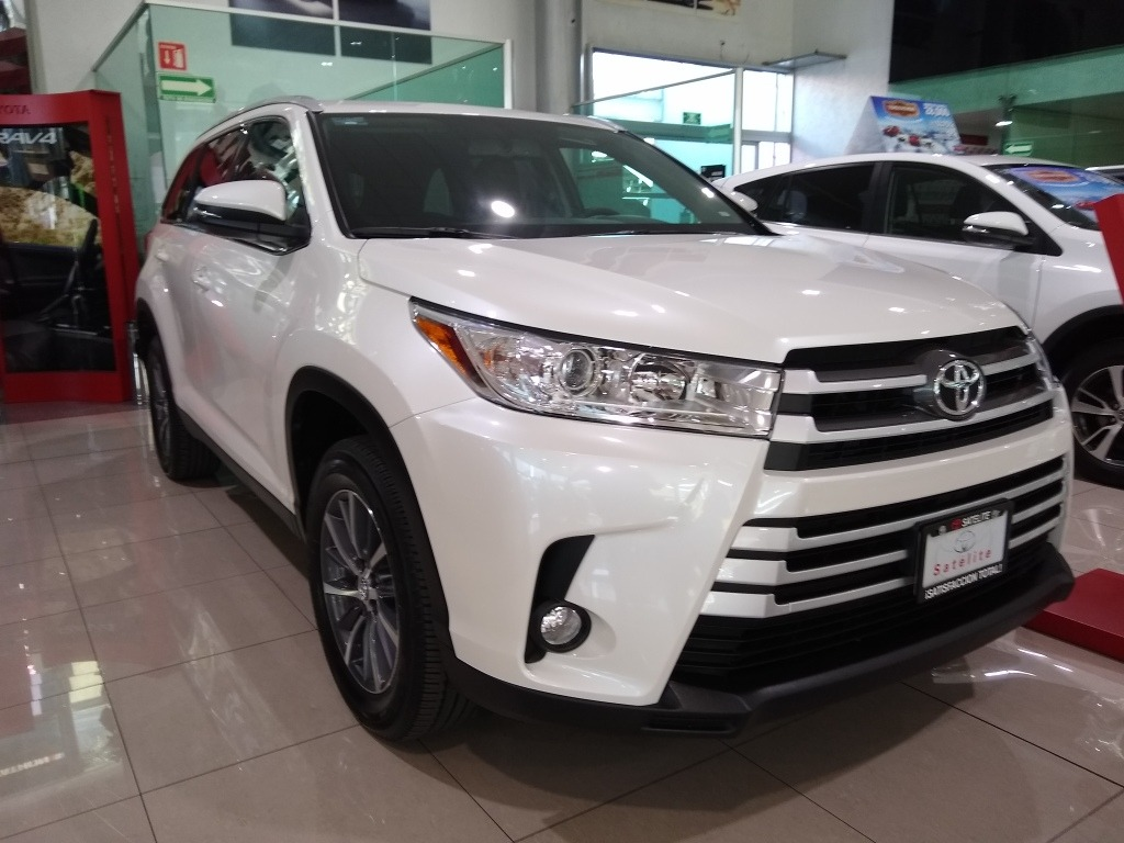 Toyota Highlander 2019 View Specs Prices Photos More Driving