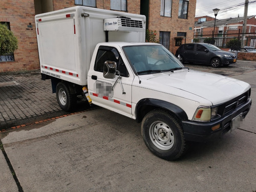 toyota hilux 1995 con thermo king