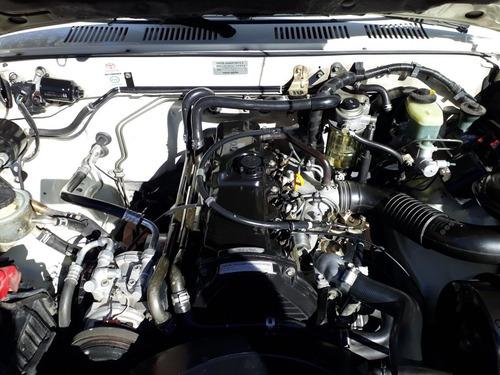 toyota hilux 2000 2.8 d/cab 4x4 d sr5