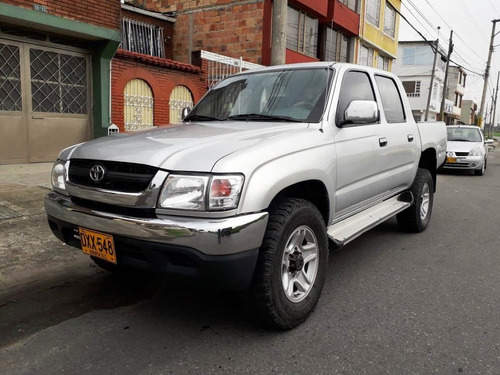 toyota hilux 2003 doble cabina 4x4 mecánica 2400cc tipo luv