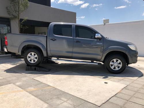 toyota hilux 2013 camioneta pickup doble cabina a credito