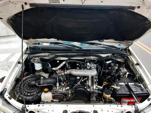 toyota hilux 2013 diesel 4x4  $ 65.000.000