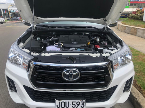 toyota hilux 2.4 diesel  4x4 a.a doble cabina