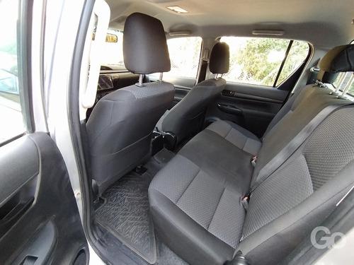 toyota hilux 2.4 tdi 4x4 doble cabina 6mt 2016 gris