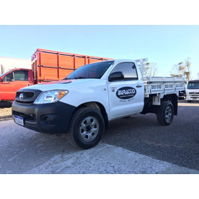 Toyota Hilux 2.5 4x4 2010 Cabine Simples 3 Lugares - Top