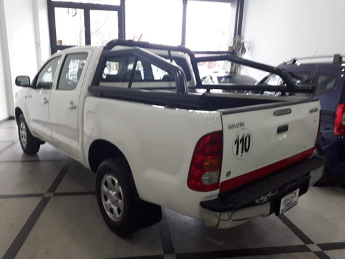toyota hilux 2.5 cabina doble dx pack 4x2 igual a 0 km!