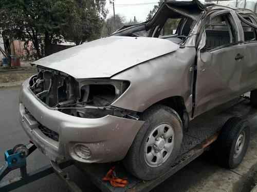toyota hilux 2.5  chocado dado de baja airbags sanos