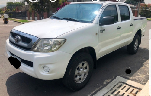 toyota hilux 2.5 cover cs dx pack i 4x2 ventanas 2011