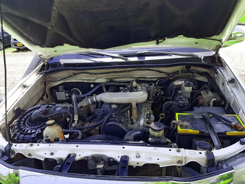 toyota hilux 2.5 diesel 4x4