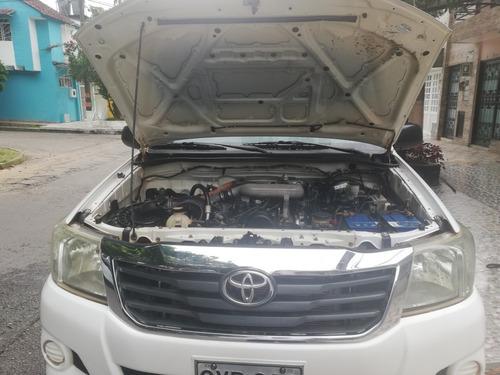 toyota hilux 2500 c.c diesel