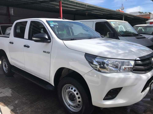 toyota hilux 2.7 cabina doble base mt 2016