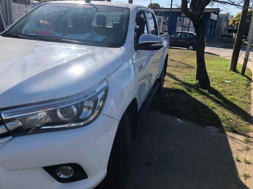 toyota hilux 2.8 cd srx 177cv 4x4 at 2016