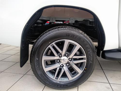 toyota hilux 2.8 srv 4x4 cd 16v diesel 4p automático