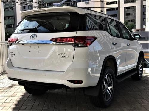 toyota hilux  2.8 tdi srx 7l 4x4 aut. 5p diesel 2019