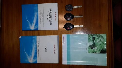 toyota hilux 3.0 cd srv cuero 4x4 5at - a4 2014