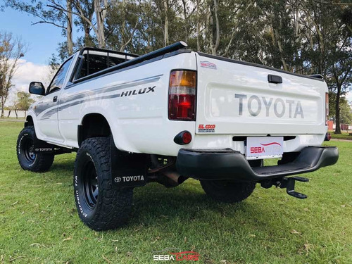 toyota hilux 3.0 s/cab 4x4 d dx 2003