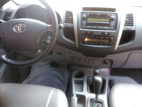 toyota hilux 3.0 turbo diesel 4x4  unico dono completissima