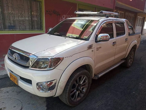 toyota hilux 4×4  full equipo