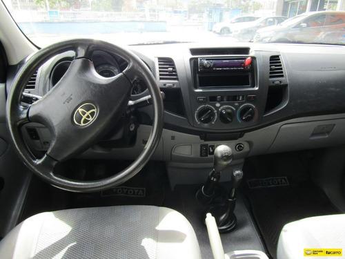 toyota hilux 4x4 2.5 diesel turbo