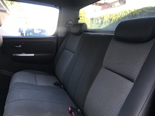 toyota hilux 4x4 cab dob srv 3.0 tdi año 2011 - liv motors