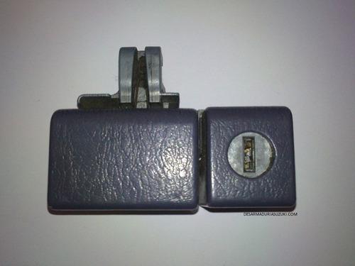 toyota hilux 4x4 chapa de guantera (año 94-97)