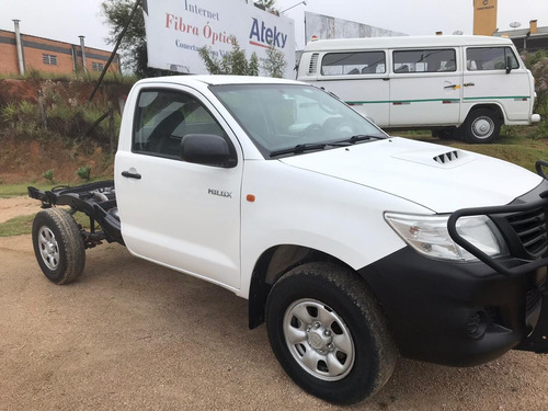 toyota hilux 4x4 chassis 2013