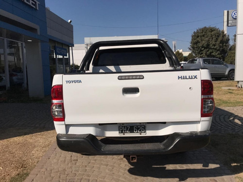 toyota hilux 4x4 dx pack motor 2.5 blanca 2015