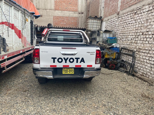 toyota hilux 4x4 full eq