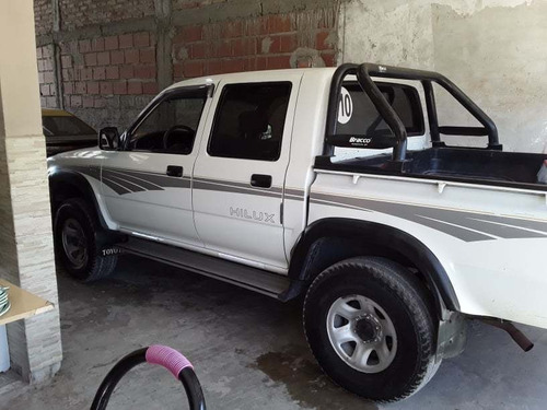 toyota hilux 4x4 impecable 2do dueño